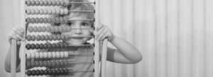 התעללות בגני ילדים - גננת מתעללת